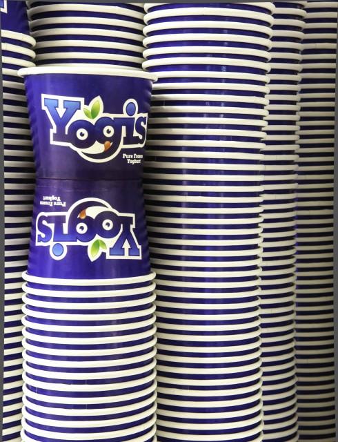 Yogis logo photo2