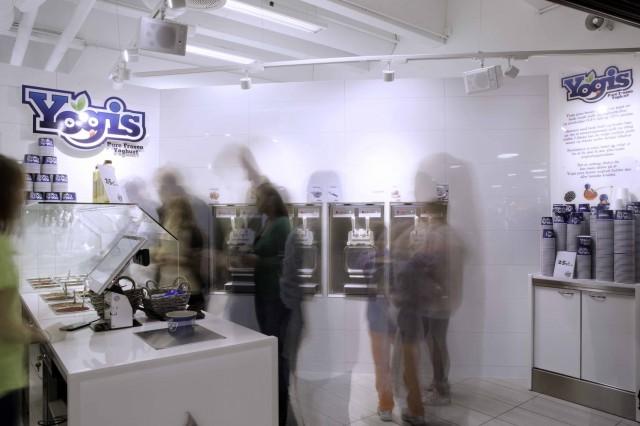 Yogis logo photo3